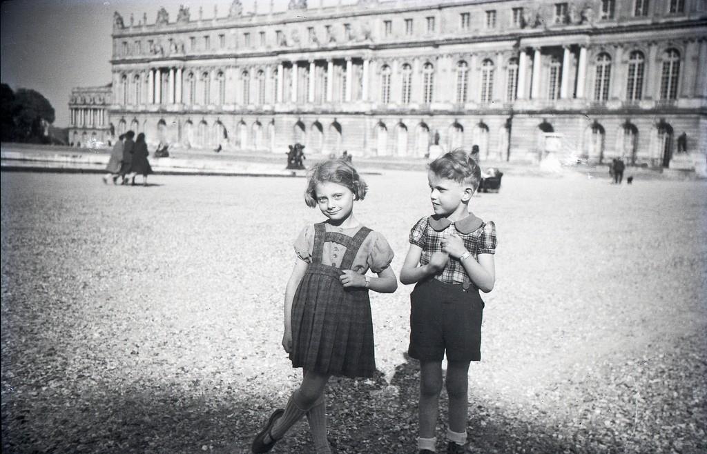 Enfants Versailles 1946
