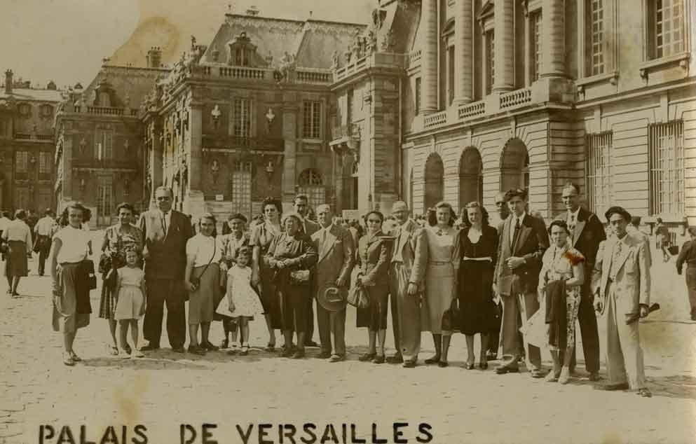 Devant Versailles 1953